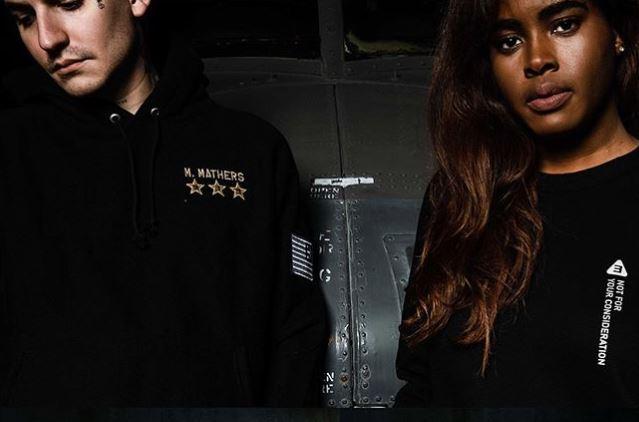 Una colección de ropa de Eminem para Black Friday aborda las críticas recibidas
