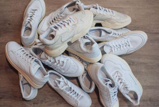 El pack de zapatillas blancas de adidas «Home of Classics»que conquistará a los minimalistas