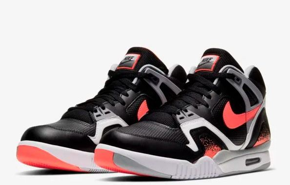 nike air tech challenge II black