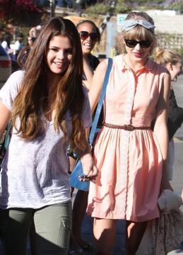 Stay Kaylor - Cap.2 Hablando Selena