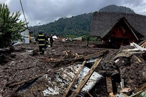Santa Lucia 300x200 Perspective Arrives Without Invitation: A Story About The Deadly Santa Lucia Mudslide
