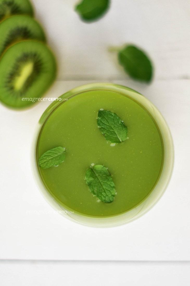 Smoothie de kiwi, limão e hortelã | Blog Emagrecer Certo