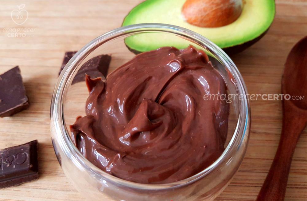 Mousse de chocolate low carb do blog emagrecer certo por Yamily Benigni