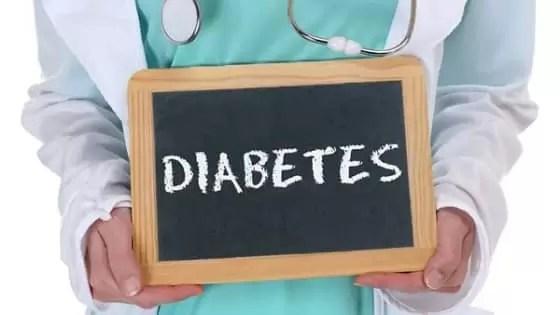 O diabetes pode causar sérios danos aos seus nervos, rins e olhos, bem como levar a doenças cardíacas que podem contribuir para a insuficiência cardíaca congestiva.