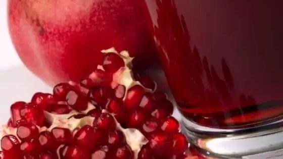 Alimentos que Baixam o Colesterol - Suco de romã