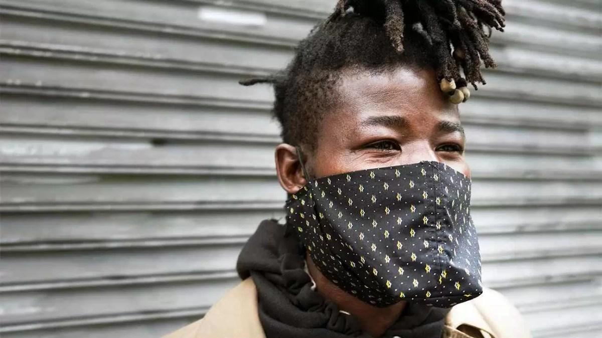 como fazer máscara de pano
