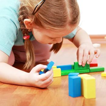 cuales-son-las-senales-de-que-podrias-tener-un-hijo-introvertido