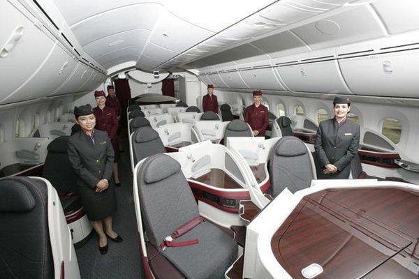 dubai qatar 787 dreamliner