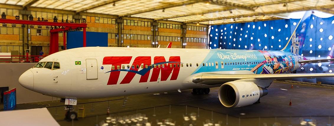TAM é a primeira companhia aérea da América Latina a ter aeronave temática de Walt Disney World
