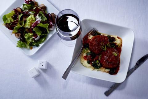 Novas opções na Delta One: menus da estação e programa de vinhos estreiam a bordo