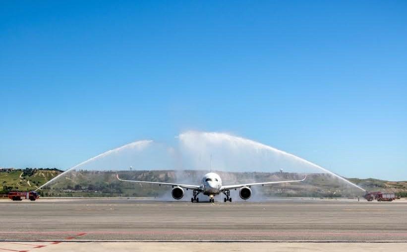 A350 XWB da TAM chega à Espanha
