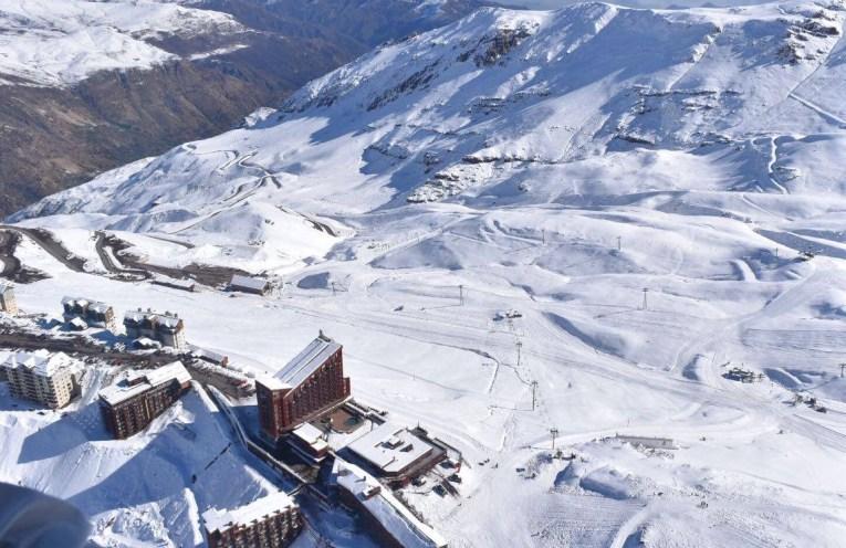 Confira os valores e condições no site do Valle Nevado.
