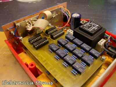 PIC_resistor_decade_box