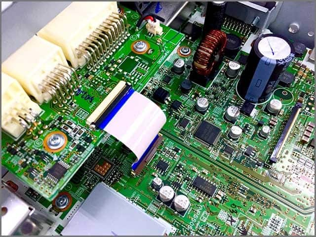 Surface-Mount Technology (SMT) and Thru-Hole Device (THD)