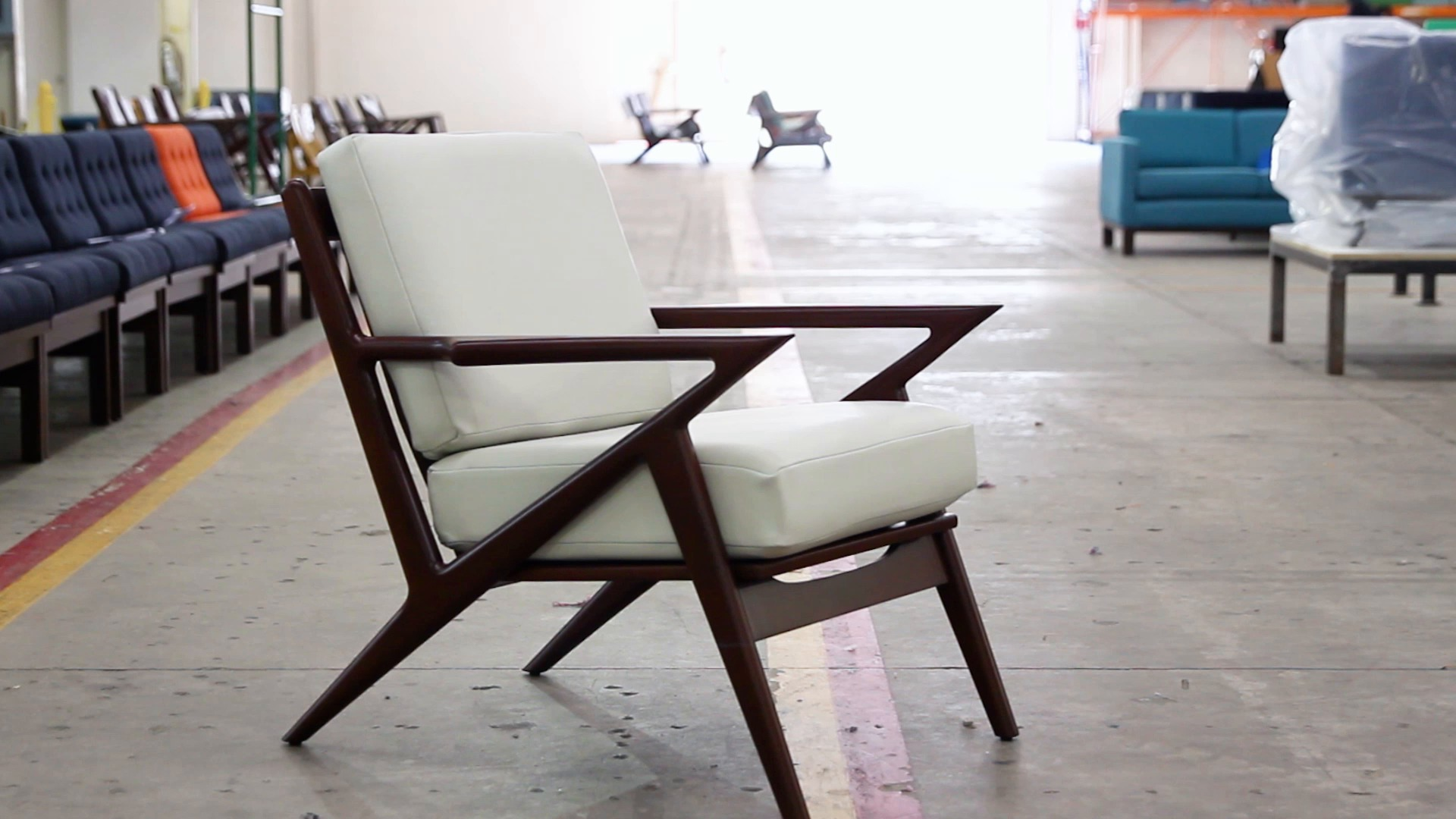 Selig Chair Soto Chair Product Overview 0117 V3