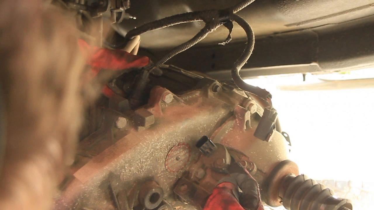 how to remove a transfer case jeep series [ 1280 x 720 Pixel ]