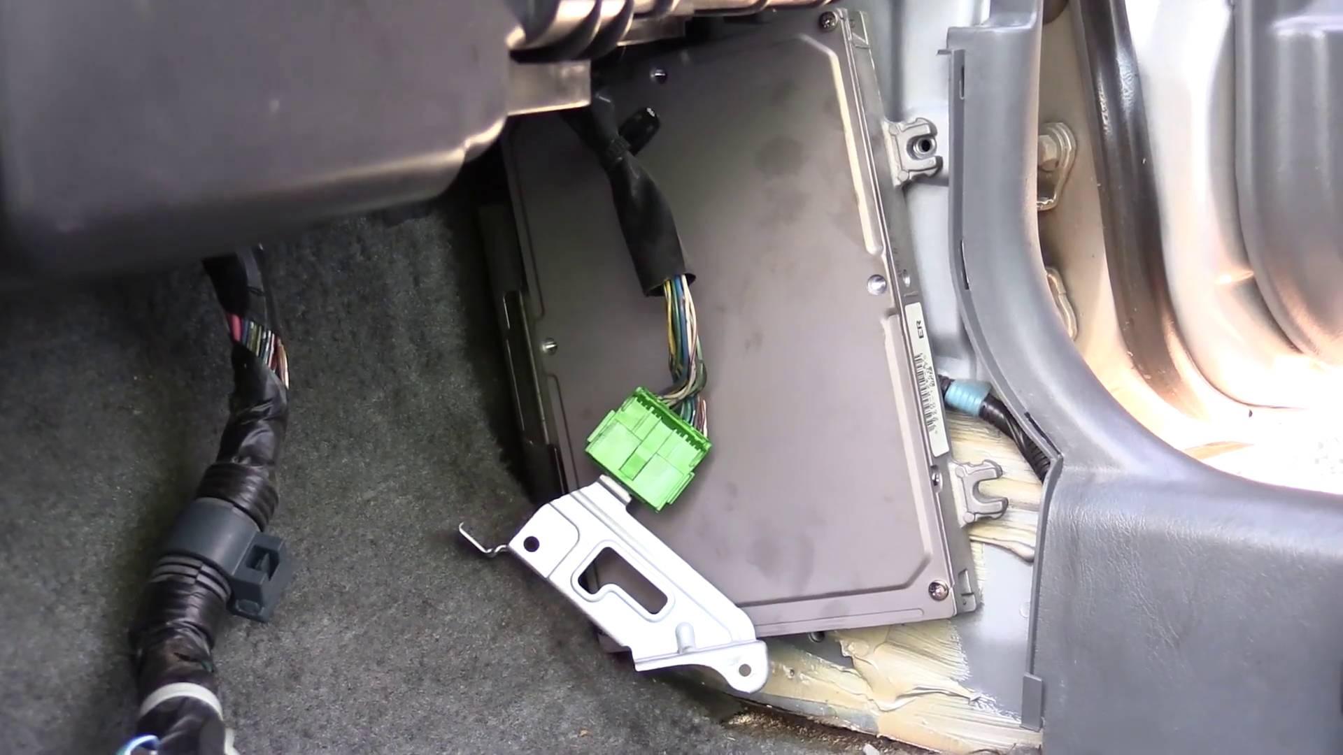 pull a honda civic computer 1996 2000 [ 1280 x 720 Pixel ]