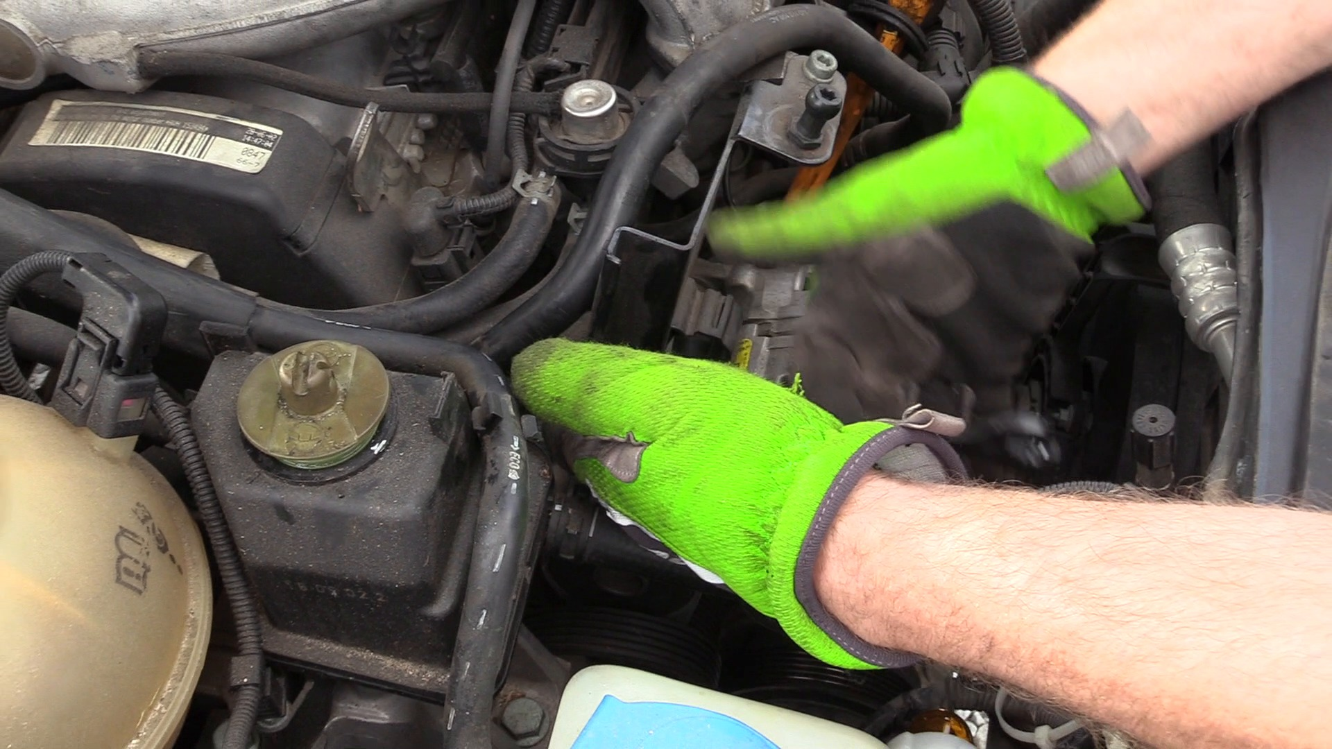 hight resolution of how to remove a vw serpentine belt tensioner pontiac 3 4 engine diagram tensioner