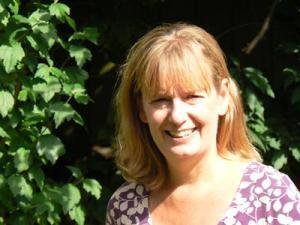 Prof Lindy Holden-Dye