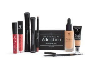 Younique's 2017 Retiring Collections Beauty Arsenal Collection Embracing Beauty with Kim Willis