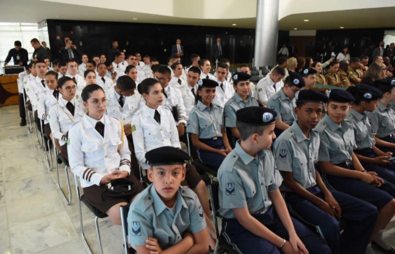 Resultado de imagem para inscrição para militares se candidatarem a trabalho em escola cívico-militar