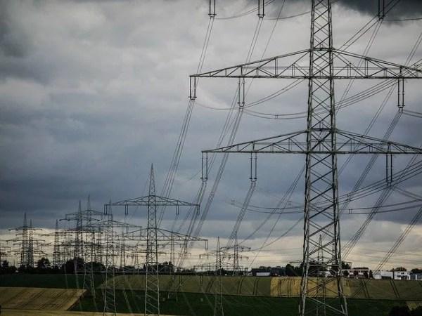 停電時でもビジネスホンの使用を可能にするUPSとは?
