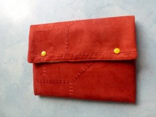couture-pochette -tablette-housse-molleton-bouton-pression
