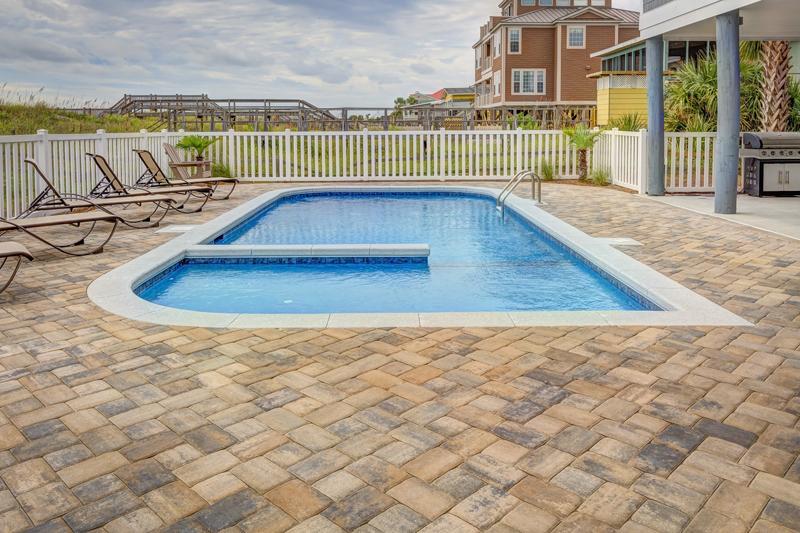 top pool design trends
