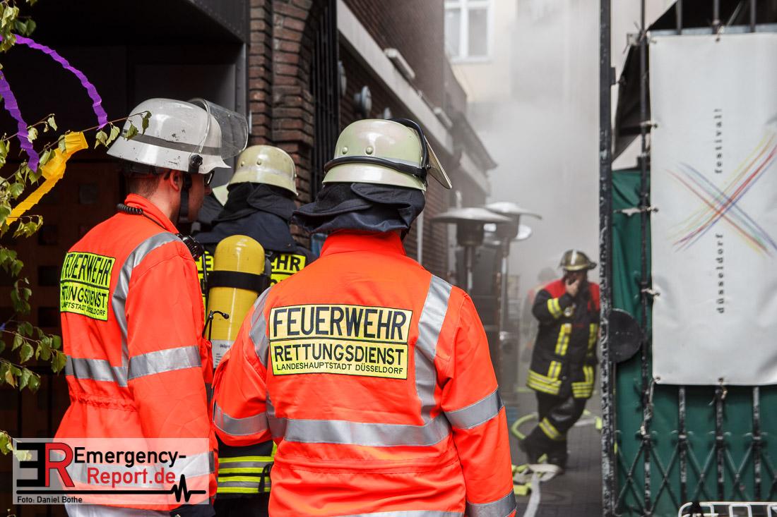29042017  Dsseldorf Altstadt  Groeinsatz