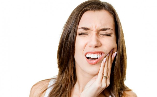How to find an emergency dentist to help with toothache and root canal treatment