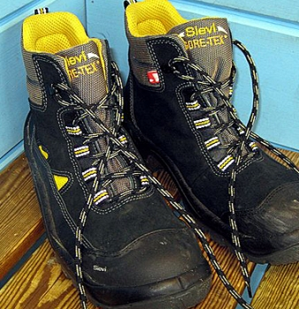 Proper Work Boots for Field Personnel