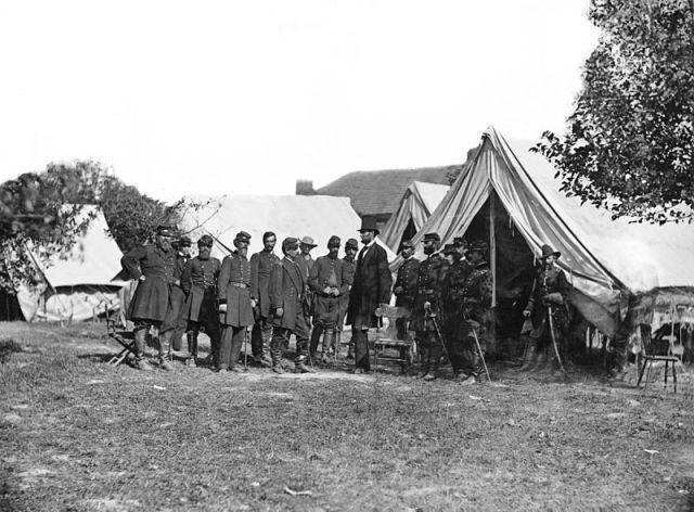 Lincoln and McClellan meet near Antietam