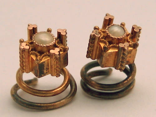 Carbuncle of Etruscan Gold Cufflinks