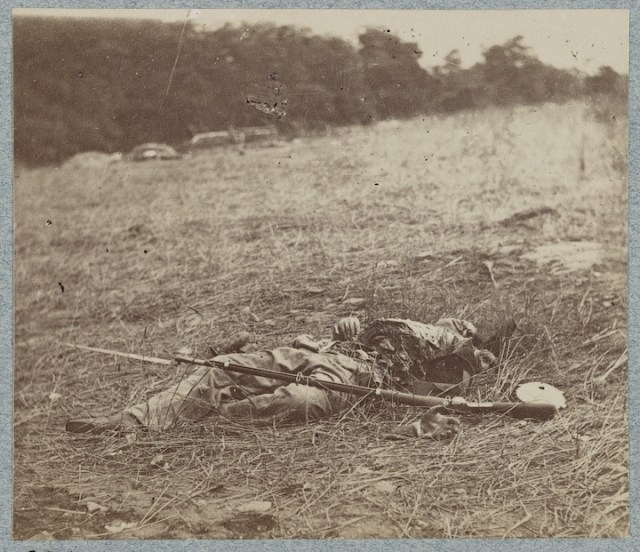 Graphic-disemboweled Confederate