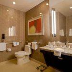 Bathroom in room 28018