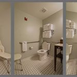 Bathroom in suite 1326 (view 2)