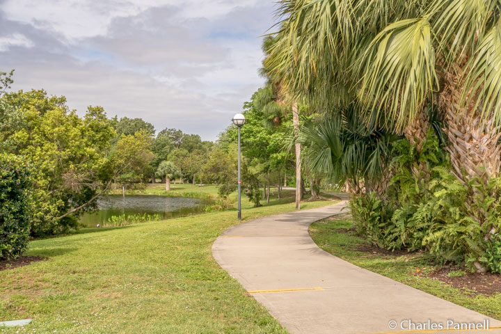 Paved pathway around the lake at Indian RiverSide Park