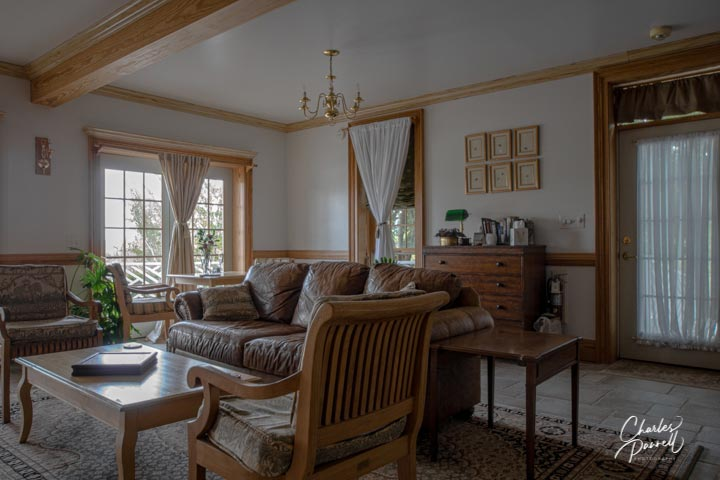 Located in romantic covered bridge country in rural South Carolina, this country inn features an accessible ground floor room with a large fireplace and a private terrace. Add in a private in-room breakfast for that extra touch of romance. A Romantic Retreat in Covered Bridge Country