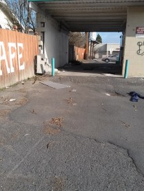 Disused carwash on NW Blvd