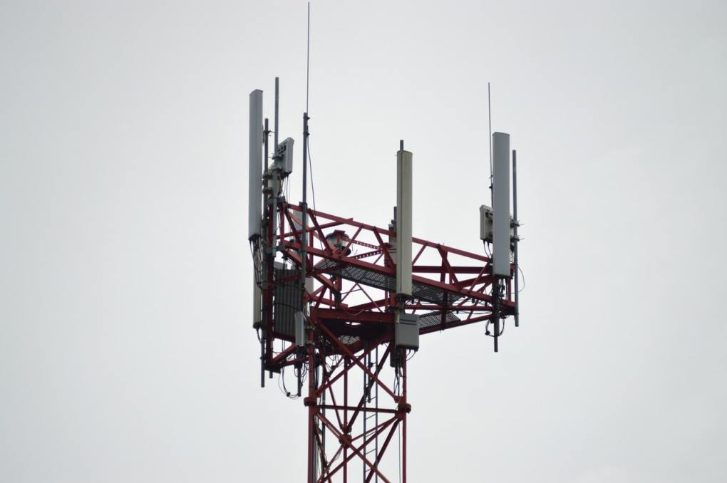 5g cell tower risks