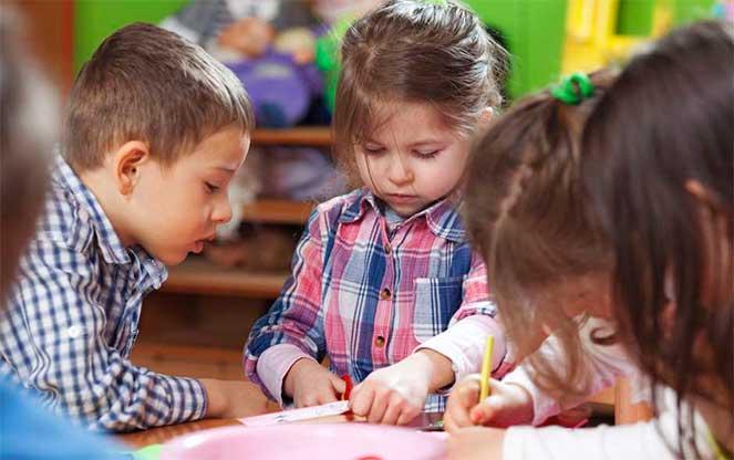 lucrați din învățământul la domiciliu