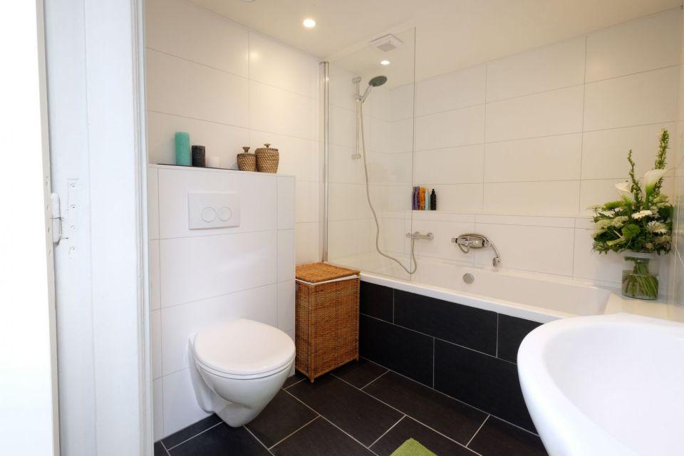 Eindresultaat zelf verbouwde badkamer