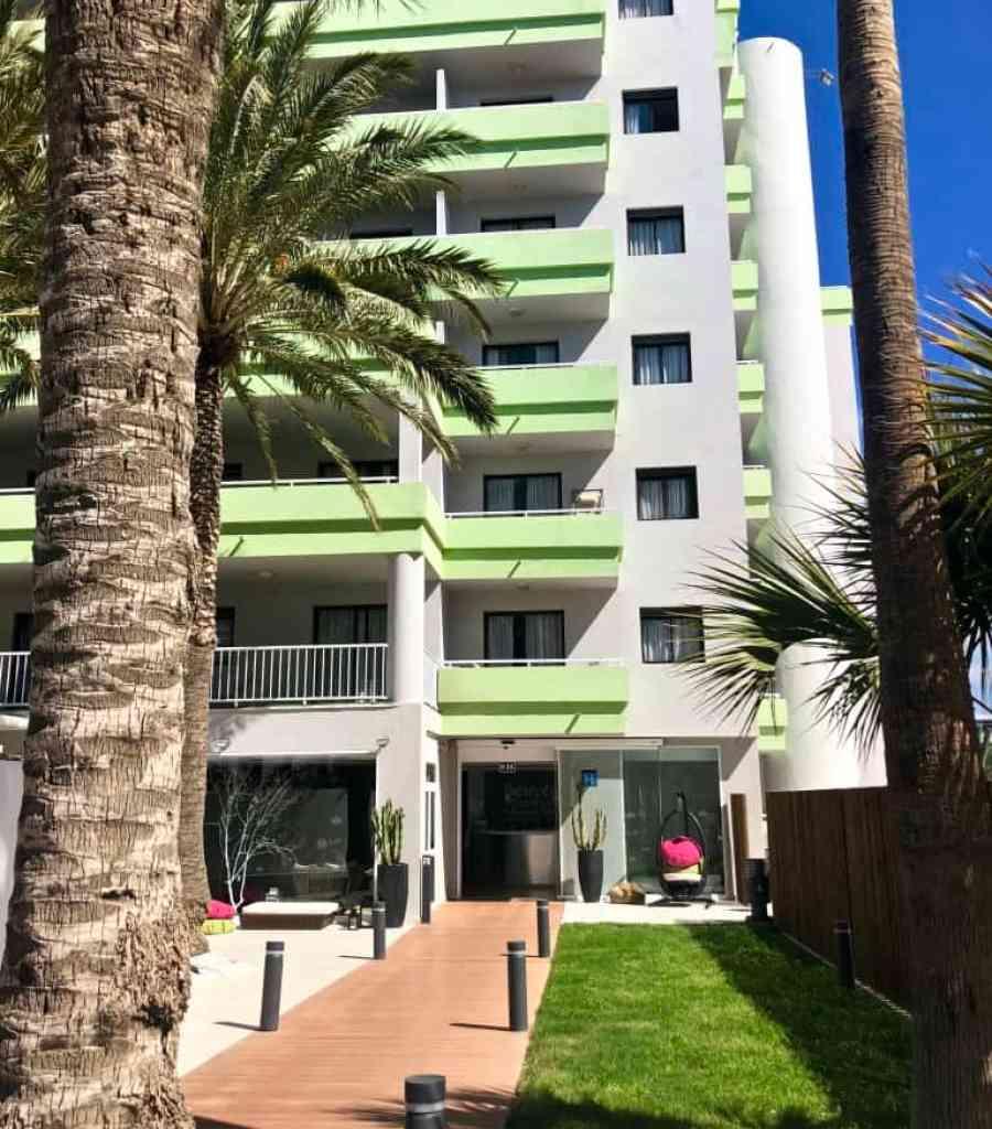 Emigreren Gran Canaria - Budget vakantie Gran Canaria - 10 tips om geld te besparen - Houd aanbiedingen in de gaten - Hotel Playa del Ingles