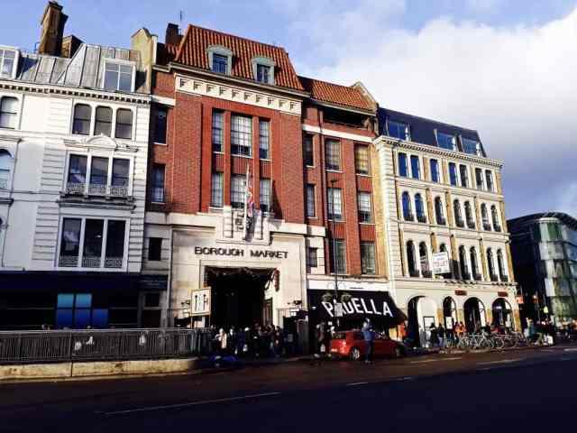 Reisverslag Londen deel 2 - Bezienswaardigheden + tips - Borough Market hoofdingang