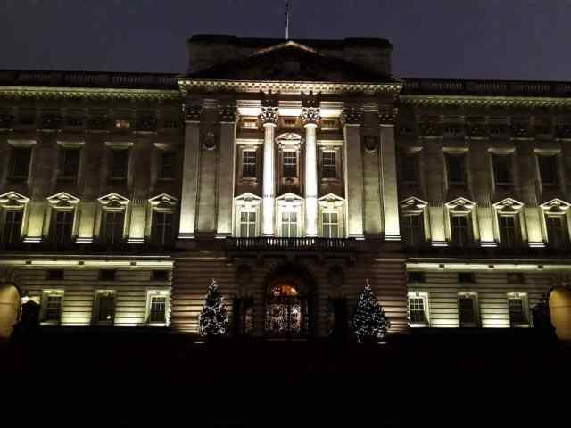 Reisverslag Londen deel 2 - Bezienswaardigheden + tips - Buckingham Palace