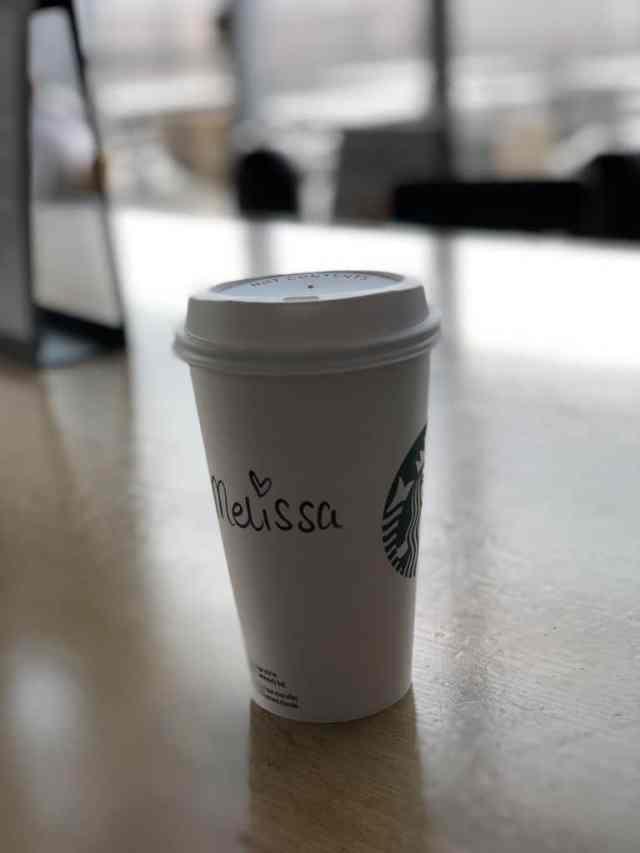 Emigreren Gran Canaria - Op vakantie naar Gran Canaria - Reisverslag deel 1 - Koffie Starbucks Eindhoven Airport