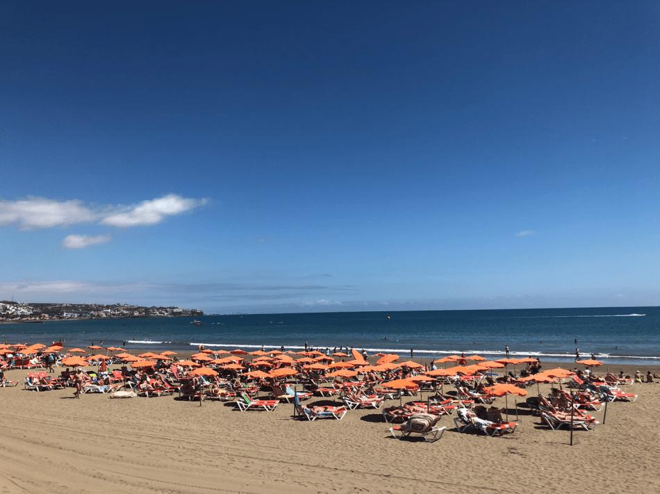 Vakantie tips - 10 stranden op Gran Canaria die je bezocht moet hebben - Playa del Ingles strand Gran Canaria