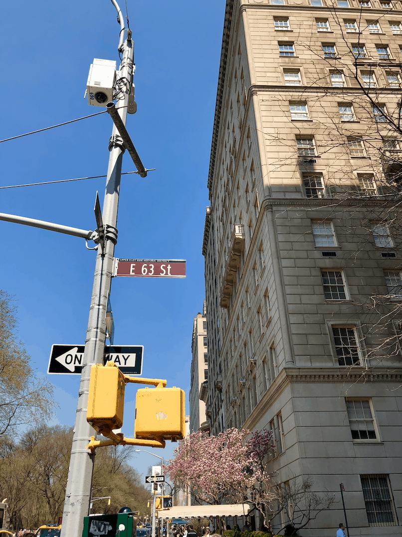 Emigreren Gran Canaria - Reisverslag - Hoogtepunten van New York City – Amerika trip deel 2 - Kruispunt Upper East Side Manhattan New York