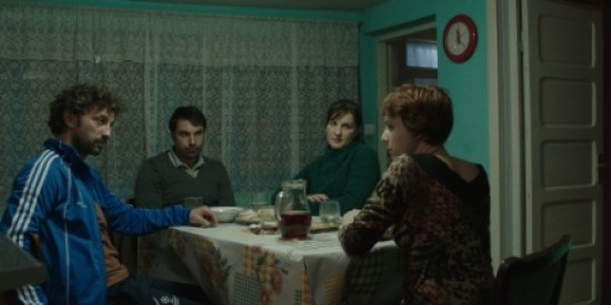 Captura din filmul Acasa la tata