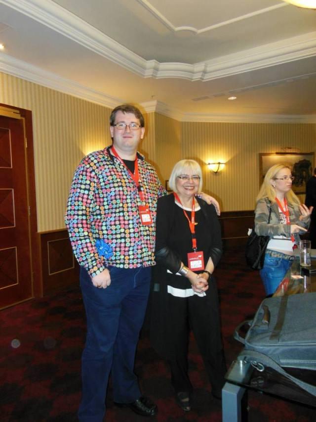 La Webstock 2013 m-am reintalnit cu doamna Nistor (cu care ma vad la vizionarile de film). M-a intrebat cine sunt si unde scriu, ca ma tot vede. Si d-atunci cica ma urmareste :)
